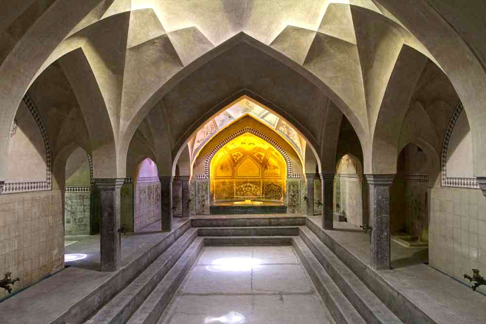 The Best Walks to Travel in the Heart of Isfahan