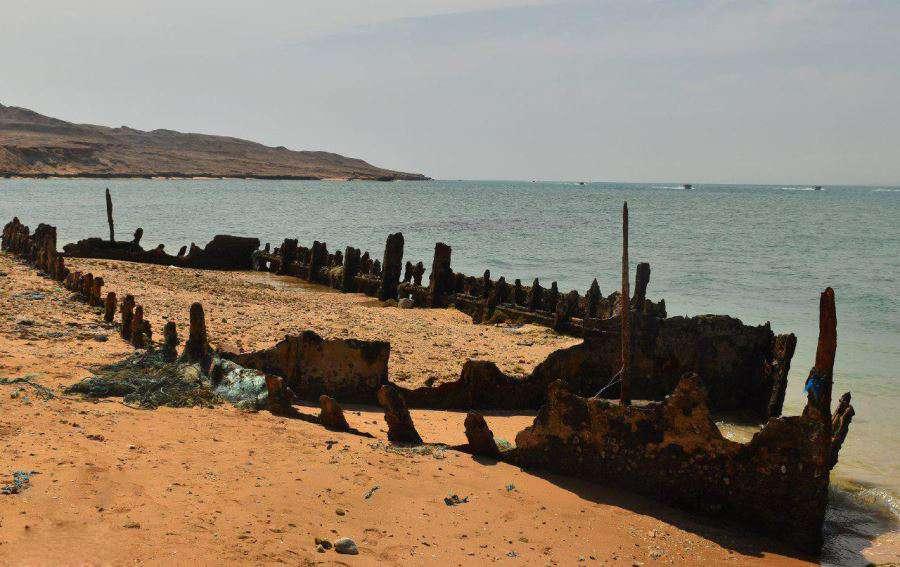 The Route Through the Persian Gulf: Qeshm, Hormuz, Hengam & Larak