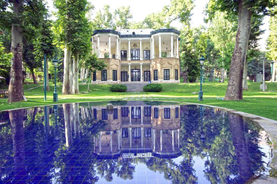 A Day Trip From the Northern Royal Palaces of Tehran to the Bazaar of Tajrish