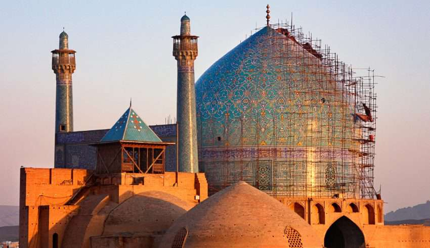 Free Visiting of Top Attractions Around Naqshe Jahan Square