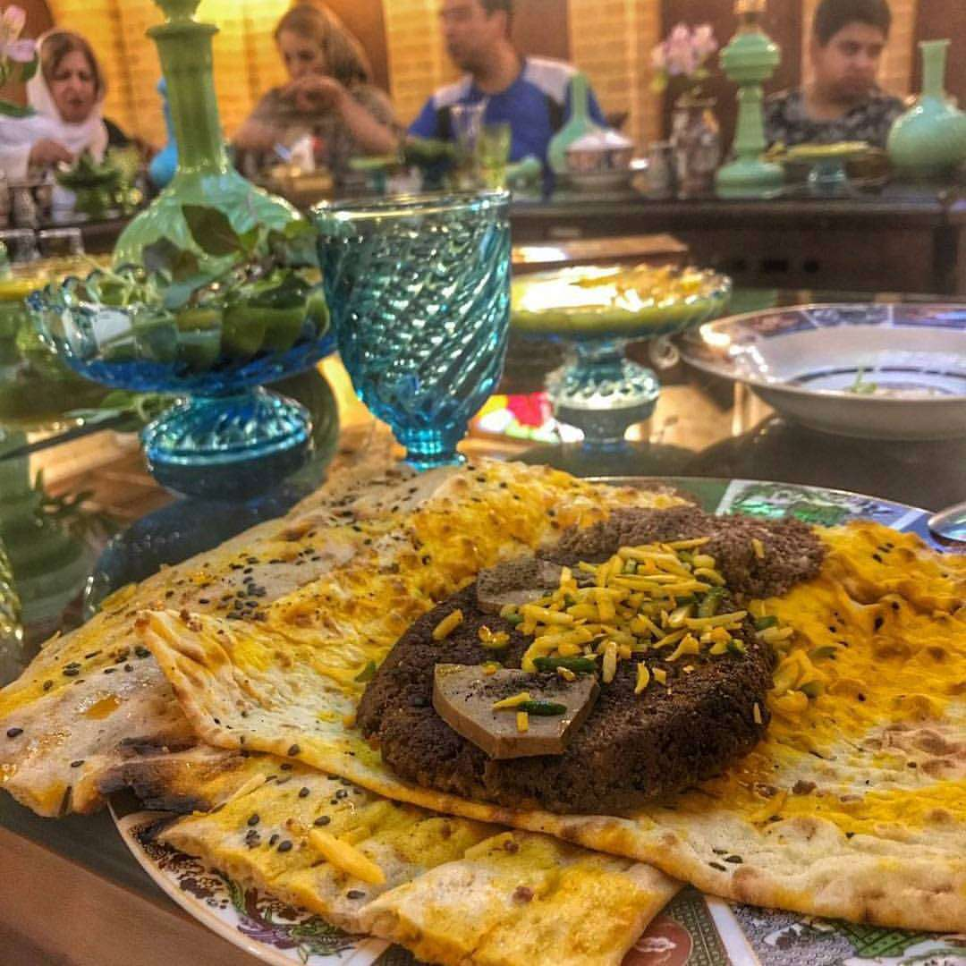 From the delicacy of Golden Brocade to the liveliness of 15 Workshops of Handicrafts in Isfahan