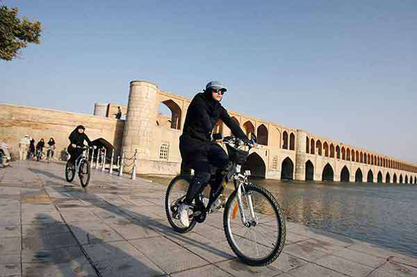 Historical Cycling Tour of Isfahan along Bridges and the Nazhvan Forest Park